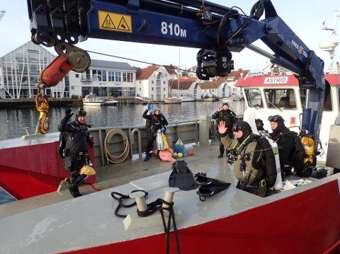 Slettaa dykkerklubb, med samarbeidende partnere, rydder lørdag havbunnen i Smedasundet.
