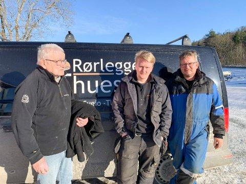TRE GENERASJONER:  Tor G. Thuestad (82) stiftet rørleggerfirma i 1964. Sønnen Atle Thuestad (52) fulgte i farens fotspor, og det har også Petter Avaldsnes Thuestad (18) gjort og er lærling i rørleggerfirmaet.