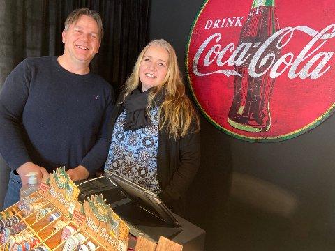 SATSET: Hilde og Bernt Stokke er glade for at de turte å starte opp butikken i Haugesund sentrum.