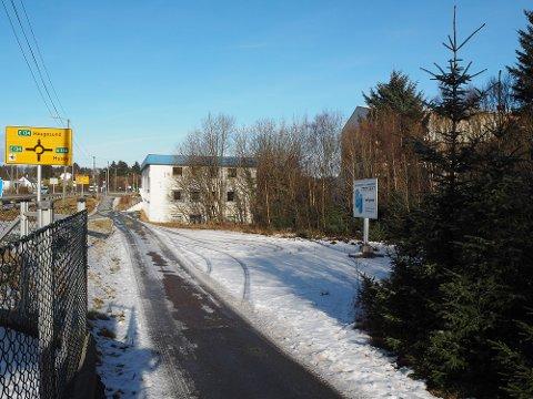 BOLIGER: Nye boliger skal bygges ved flyplasskrysset.