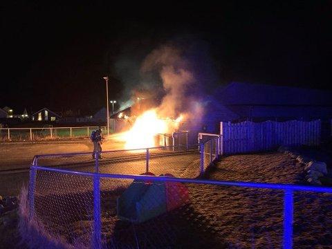 BRANN: Det brenner ved en barnehage i Stallvegen.