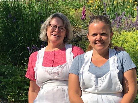 NYE OPPGAVER: Elisabeth Kallevik Nesheim og Cathrine Hamre Tindeland (t.h.) skal sammen sørge for at bakeriet i Ølen fortsetter.