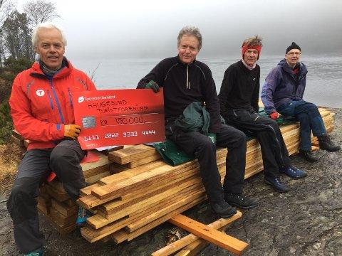 BIDRAG: Medlemmer i Haugesund turistforening, fra venstre: Geir Kvassheim, Jon Færøy, Kjell Brekkhus og Arne Rossebø. Bildet er tatt før de strengere tiltakene på Haugalandet ble iverksatt. Foto: Privat