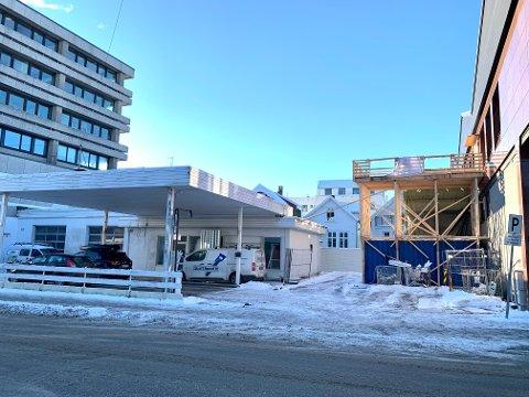 NYBYGG: Flere aktører kjemper om å få Nav Haugesund som leieaktør. Caiano Eiendom har lyst til å bygge Nav-kontor nord for DNB-bygget - hvor det i mange år var bensinstasjon.