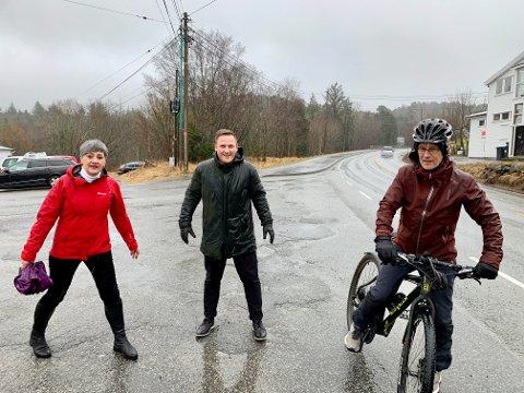FÅR PENGER: Byregionen Haugesund er en del av regjerings forslag til Nasjonal Transportplan. Som vil si mange millioner fra staten. F.v. May Britt Vihovde (V), Harald Larssen Lønning (H) og Tom Landås (KrF).