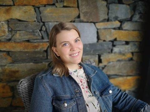RÅDER ANDRE: Jannike Haavik Roness (29) er glad for å ha fått flere erfaringer og større nettverk etter at hun ble nødt til å skifte bransje. Hun råder andre til å tenke utenfor boksen.