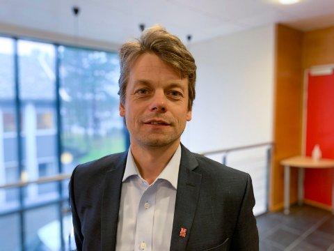 KOMMUNEN BEKLAGER:  – Vi er glad for at Bjelland nå har fått det bedre, og at hun har fått den hjelpen hun har behov for, sier Jostein Førre, rådmann i Sveio kommune.