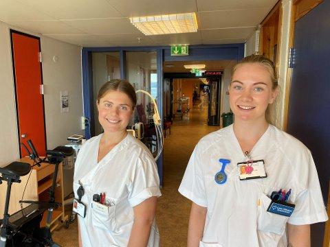 TILBAKE: Sykepleierstudent Lene Ottesen (23) og legestudent Siri Robberstad (24) er klare for sin henholdsvis andre og femte sommer som vikarer på Stord sjukehus.