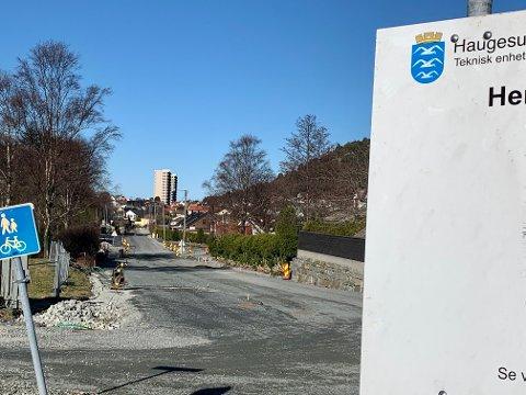 FORSINKET: Arbeidet i Storasundgata er flere måneder forsinket.
