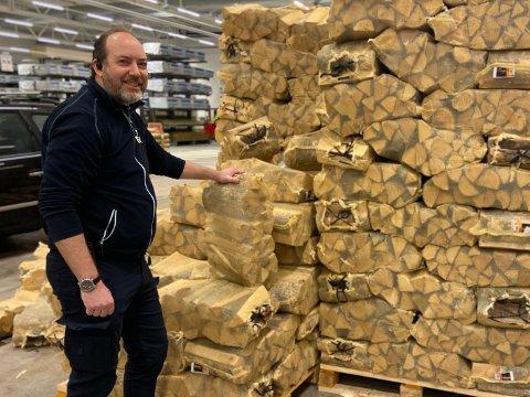 OMSTILLING: De siste ukene har vært svært travle for de ansatte på Obs Bygg i Haugesund, forteller Torgeir Pleym Iversen (46).