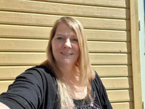 VISTE IKKE ID: Da Jennifer Surdal (43) skulle få vaksine torsdag ble hun ikke spurt om legitimasjon på noe tidspunkt.