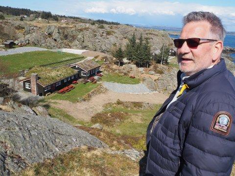 TRENGER PENGER: Geir Sommerfeldt håper på drahjelp for å skaffe en halv million kroner til reparasjon av skadene som oppstod i vinter.