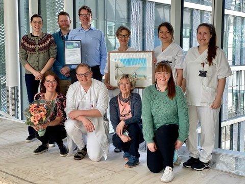 VINNER-TEAMET: Barnediabetes-teamet på Haugesund Sjukehus, rett etter tildelingen.