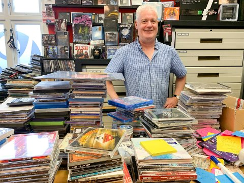 SHABBY: - Vi har det så travelt at jeg ikke har fått tid til å prise brukt vinyl som kommer inn til oss, sier Vidar Wenneck Aas, innehaver av Shabby Records.