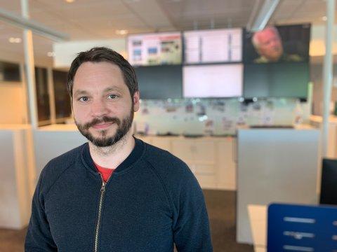 NYANSATT VAKTSJEF: Anders Brekke (38) er en av fire vaktsjefer i Haugesunds Avis. I sommer har avisen også ni  sommervikarer i arbeid.