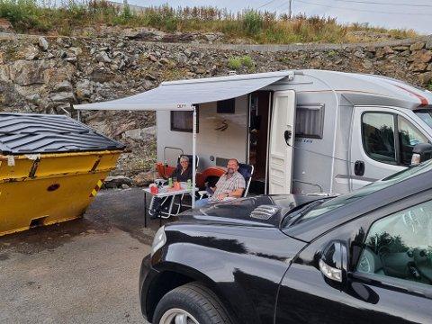 HAVARISTER: Geir og Aina Knutsen camper hos Olav og Karina Nonslid.