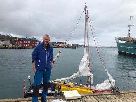 FREMME: En sliten, og sulten, Audun Nordhus tidlig mandag morgen har lagt til havn i Lerwick, hovedstaden på Shetland.