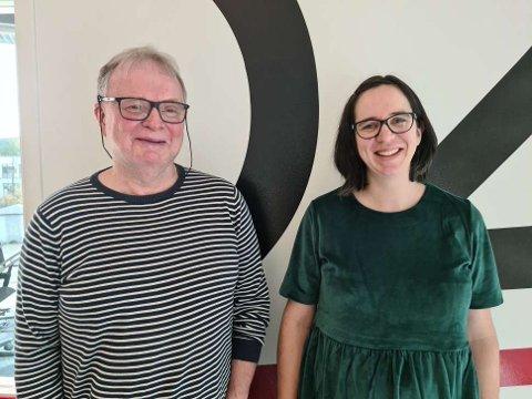TRENGER INFORMANTER: Dialektprosjektet «Ska sei» er nå i gang igjen. Prosjektleder Ivar Sveine, her med leder Solgunn Liestøl i styringsgruppa på besøk hos Radio 102 i fjor, håper å være i mål med intervjuene i løpet av høsten.