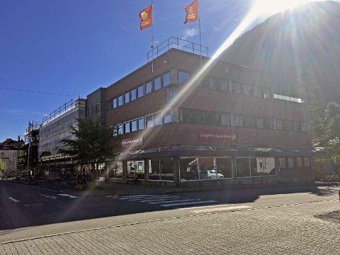 LEVERER: Helgeland Sparebank leverer gode tall for første halvår i 2016. Banksjef Dag Hugo Heimstad mener Helgeland i mindre grad er rammet av nedgangstidene andre regioner har fått merke. Foto: Pål Leknes Hanssen