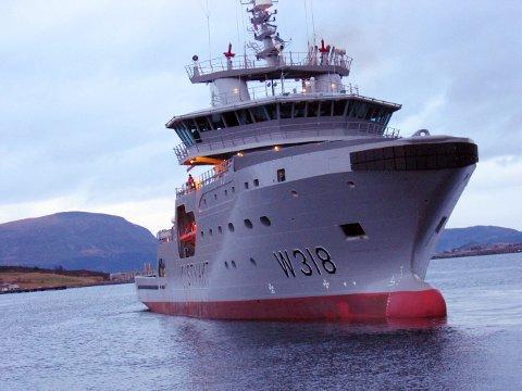Kystvaktens nye fartøy KV Harstad har uten hell lett etter en norsk seilbåt som er savnet mellom Tromsø og Svalbard. Foto: Dag Rydmark, Kystvakten / NTB scanpix