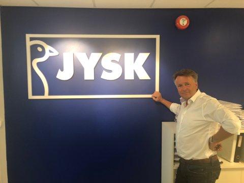 Development manager i Jysk, Lars Petter Christensen, forteller at butikken i Sandnessjøen vil bli en fullverdig Jyskbutikk.