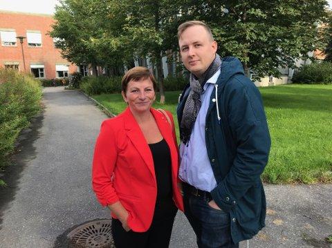 Vefsn Ap, her representert ved gruppeleder Tone Moby Røreng og leder Rune Krutå, går ikke inn for å legge ned Mosjøen og Elsfjord skoler.