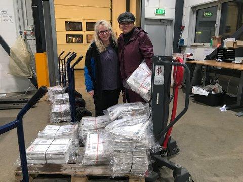 Distribusjonsansvarlig Kristin Gad og markedssjef Ellen Strøm Brodtkorb beklager at Helgelendingen er forsinket.