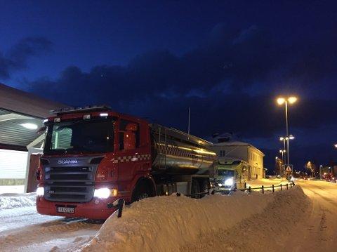 Nødetatene rykket ut til melding om branntilløp i et lokomotiv i Mosjøen