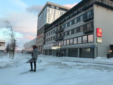 Hotellene i Sandnessjøen skal selges etter konkursen. Scandic Syv Søstre (bildet), har en prisantydning på nærmere 140 millioner kroner.