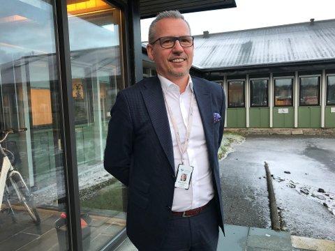 Ordfører Bård Anders Langø stiller seg undrende til kritikken fra Arnt Jakobsen, og sier at Alstahaug kommune vil strekke seg langt for å imøtekomme Slipen sine behov.