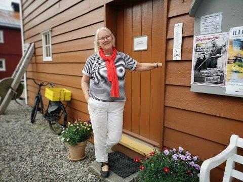 BESØKENDE:  Kari Sommerseth Jacobsen mener at dronningbesøket i sommer  har gjort flere interessert i Sjøgatas vel og vel og framtid.