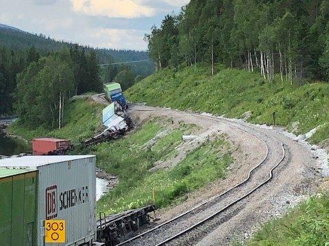 Torsdag kveld sporet et godstog av mellom Majavatn og Namsskogan.
