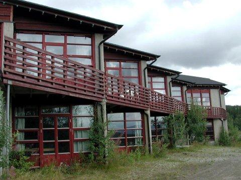 Selges: Hattfjelldal kommune står nå som eier av det tidligere hotellet, men lever i håpet om å få solgt det.
