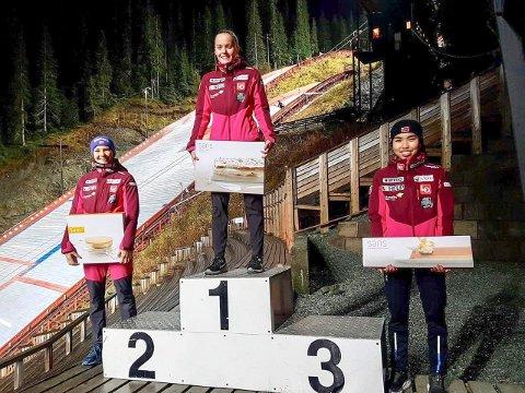 PÅ TOPPEN AV PALLEN: Eirin Maria Kvandal vant plastmesterskapet i Granåsen. Nummer to Silje Opseth, Holeværingen IL  og nummer tre  Thea Minyan Bjørseth, Lensbygda.
