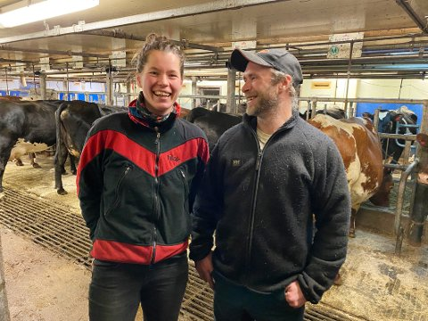Rett valg: Helene Lerstøl fra Sandnes og Øivind Lien fra Gudbrandsdalen har ikke angret én dag på at de kjøpte seg gård i Nord-Norge. – Vi er kommet for å bli, sier paret.