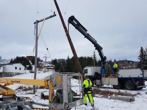 Tiltak: Koronapandemien gjør at Helgeland Kraft Nett har gjort en rekke tiltak for å redusere smittefaren til de ansatte. Helikopterbefaringen av linjenettet som skulle starte denne uken, er et av flere tiltak som er utsatt.