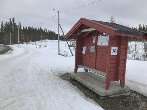 STRAVAKONKURRANSEN: Første segment i konkurransen er Almen tur/retur. Starten er her ved skiltbua på Aufles i lysløypa til Kjærstad IL.