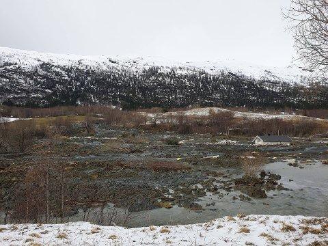Trist syn: Jonsrud har vært i familien Solvang sitt eie i nær 100 år. Onsdag gikk fritidshuset med i jordras.