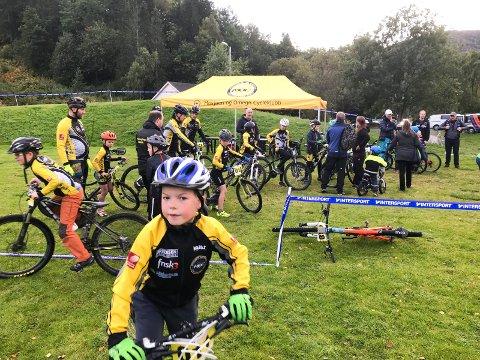 TO FØR FERIEN: Mosjøen og Omegn cycleklubb skal arrangere to runder i  Intersport terrengcup på Kippermoen før ferien.