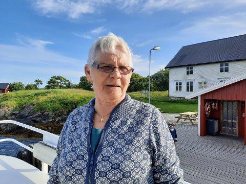 SKÅLVÆR:  Synnøve Jonassen vokste på den lille øya Skålvær ute i havgapet.