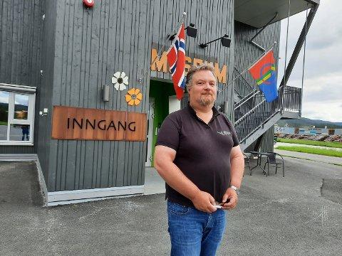 FÅ TURISTER:  Roar André Bråten stengte turistkontoret sist fredag etter sesongslutt. Besøkstallet halvert denne sommeren.