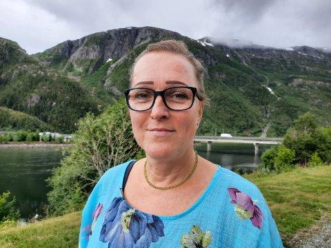 """Carola Karl Urvik skjønner ikke hvorfor Telenor absolutt skal kutte fasttelefontilbudet. - Fasttelefon er fortsatt veldig """"in"""" i Tyskland, sier hun."""