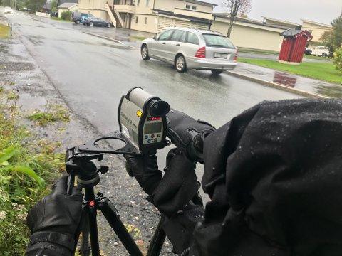 Fartskontroll: UP sto i Austerbygdveien på torsdag morgen.