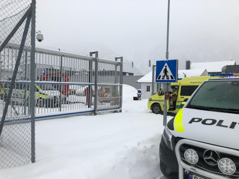 Nødetatene rykket fredag ettermiddag ut til Mosjøen fengsel.