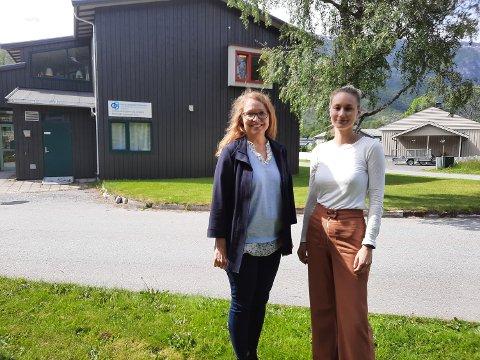 SPESIALISTER: Venke Arntsberg Grane (til venstre) og Tonje Hansen er begge spesialister innen nevropsykologi i Mosjøen. - Jeg frykter konsekvensene for pasientene på Helgeland hvis fagmiljøet i Mosjøen smuldres opp, sier Tonje Hansen.