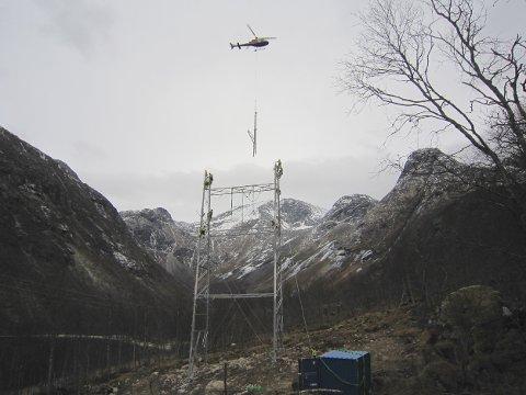Mastene vil rage 25-30 meter over terrenget. Foto: Statnett (Foto: Arild Lindgaard)