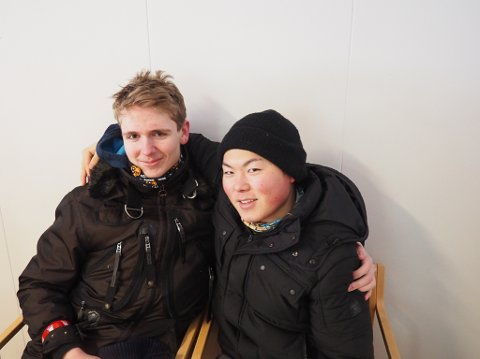 GODE VENNER: Per-Martin Jørstad fra Vadsø og Uno Ishikawa (19) fra Tokyo, er blitt gode venner i løpet av oppholdet i Norge.