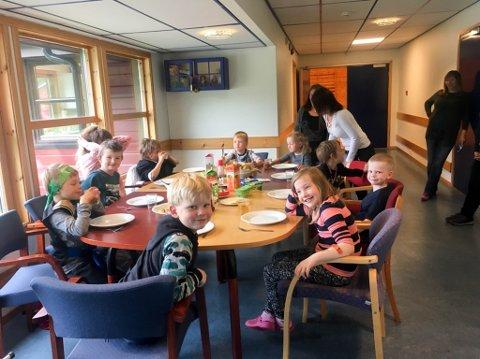 DAGTILBUD: En drøy uke før kommunestyret vedtok å legge ned Kåfjord skole, var det dagtilbud på Kåfjord skole. Denne stengte kommunen etter noen dager.