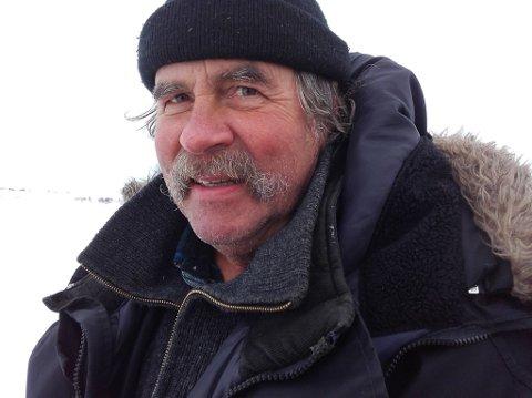 VIL ANMELDE: Dersom Nesseby Herreds jeger og fiskeforening ikke har fått pengene sine på konto innen mandag, varsler kasserer Walter Brandsegg at de vil anmelde Sparebank 1 for underslag.