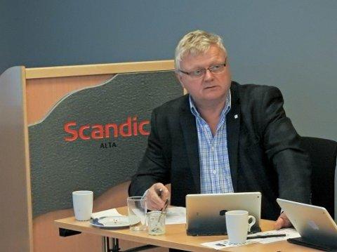 STYREMEDLEM: Ivan Olsen i styremøtet i Finnmarkssykehuset torsdag.